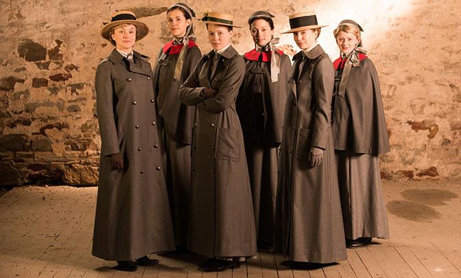 The cast of Anzac Girls.